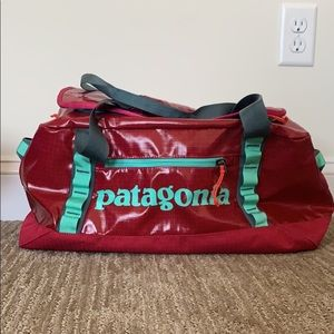 Patagonia Black Hole Diffel 45L NWOT